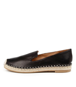 TIYA Flats in Black Leather
