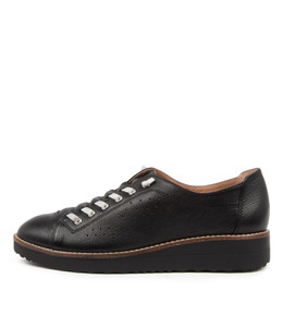 ODRA Flats in Black Leather