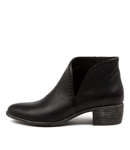JUDITH Boots in Black Leather