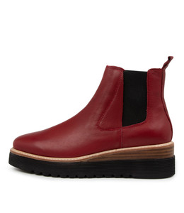 UVIKA Boots in Pinot Leather