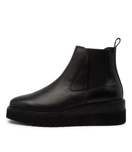 UVIKA Boots in Black Leather