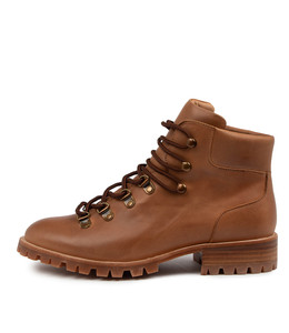 MARION Boots in Tan Leather