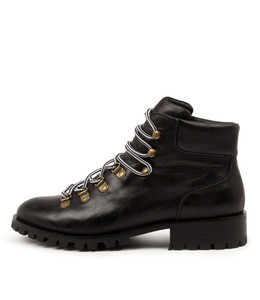 MARION Boots in Black Leather