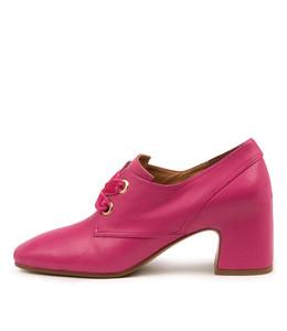 FARISH Mid Heels in Fuchsia Leather