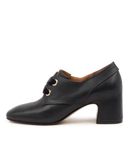 FARISH Mid Heels in Navy Leather