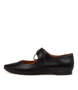 STRINGY Flats in Black Leather