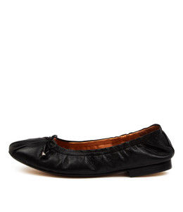 MARTHAT Flats in Black Leather