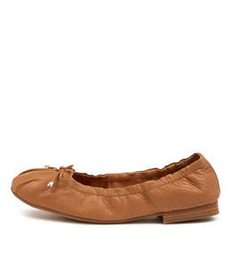 MARTHAT Flats in Dark Tan Leather