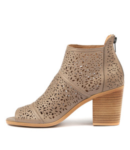 GAUGE Heeled Booties in Ash Leather