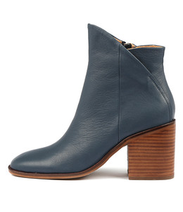 DARIO Ankle Boots in Navy Leather