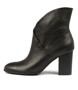 ATTIE Ankle Boots in Black Leather