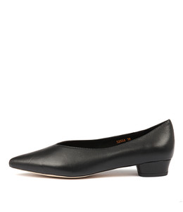 SANAA Flats in Black Leather