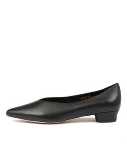 SANAA Flats in Black Leather