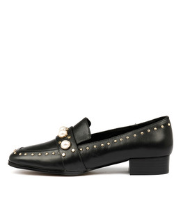 MADIE Flats in Black Leather