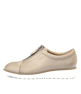 OSKARS Flatforms in Donkey Leather