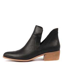 CARRI Ankle Boots in Black Leather