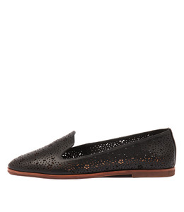 REVEAL Flats in Black Leather
