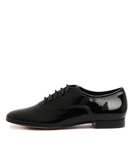 LONNY Flats in Black Patent Leather