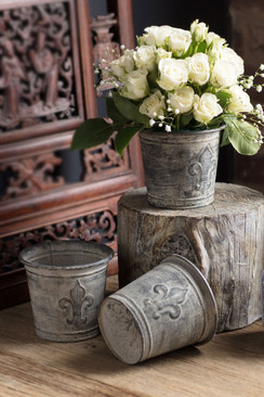 Metal and Zinc Finish Fleur de Lis Flower Pot
