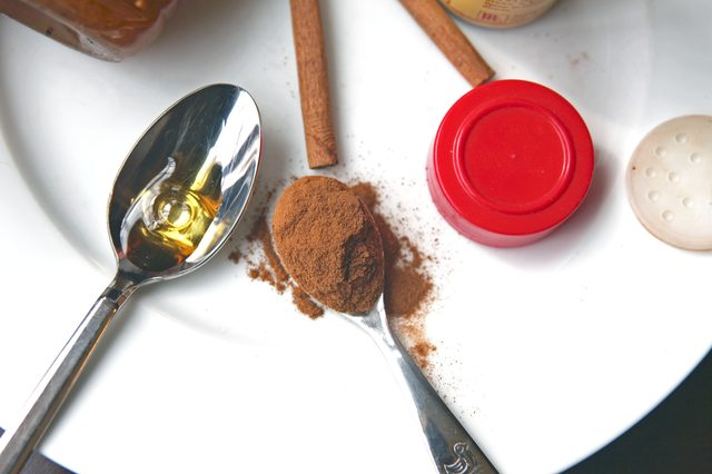Reap the benefits of cinnamon and honey in a simple face mask