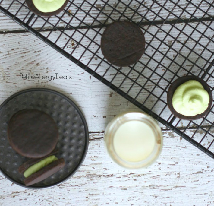 Gluten-free chocolate mint oreos