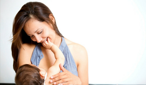 Amazing Benefits  of Breastfeeding for Baby and Mum That You Should Know About