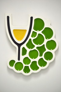 Wine and Grapes Wall Plaque