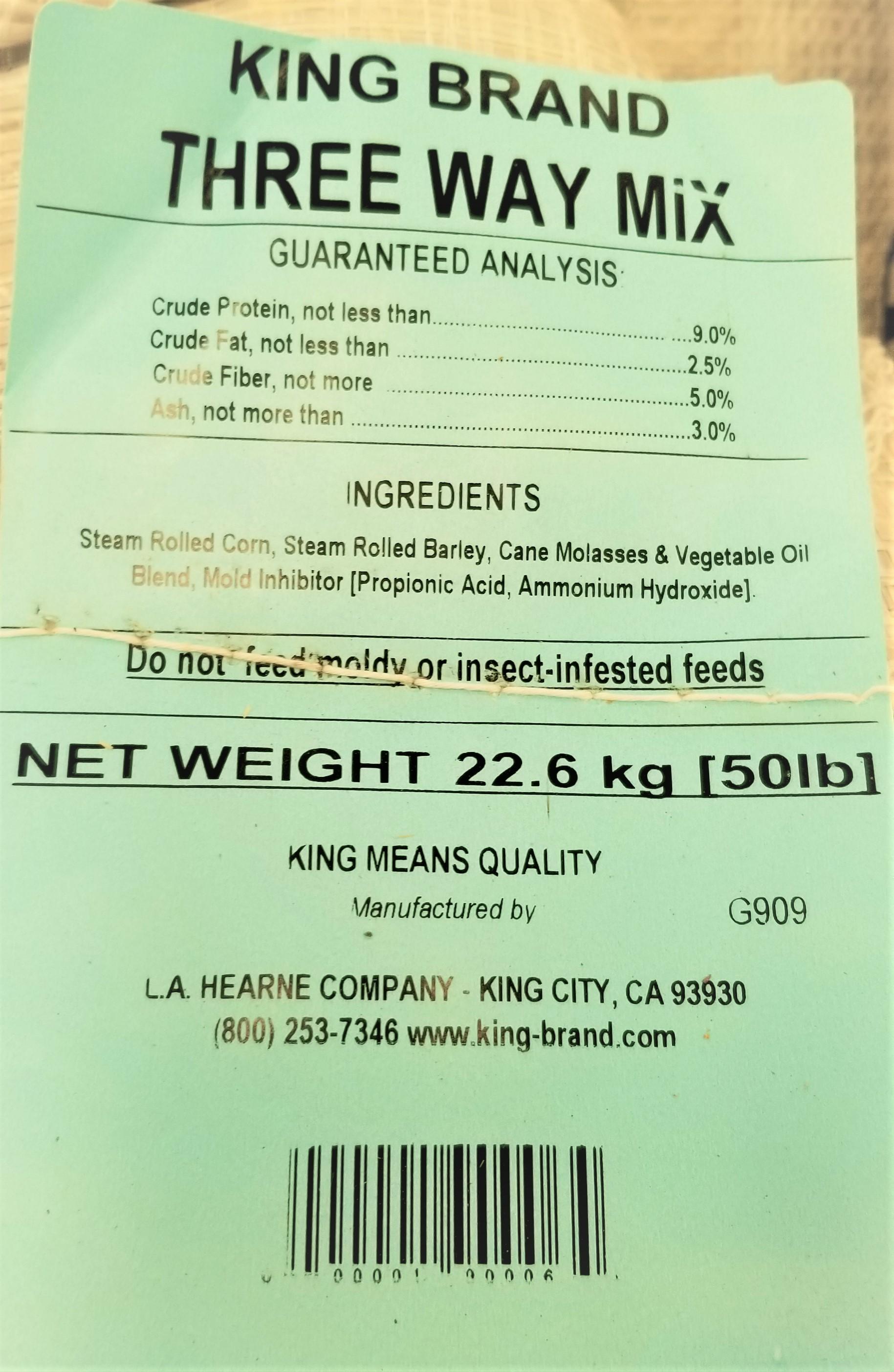 grain-king-three-way-mix-feed-corn-barley-molasses-fd022008-50-lb.-12.39-detail-label.jpg
