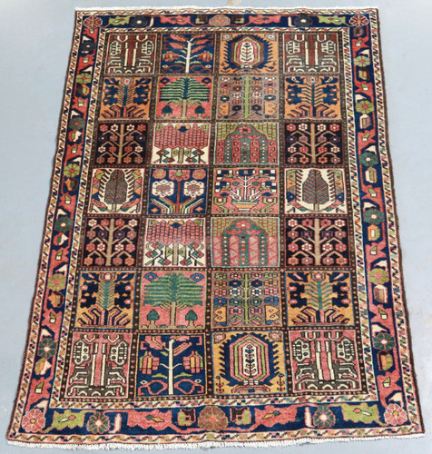 Bakhtiari Vintage Persian Rug (Ref 252) 201x134cm
