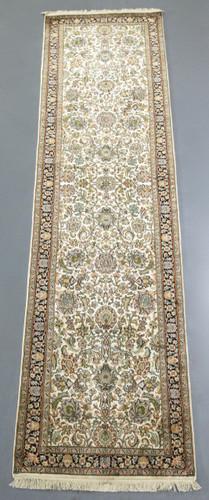Kashmir Pure Silk Runner (Ref 065377) 312x76cm
