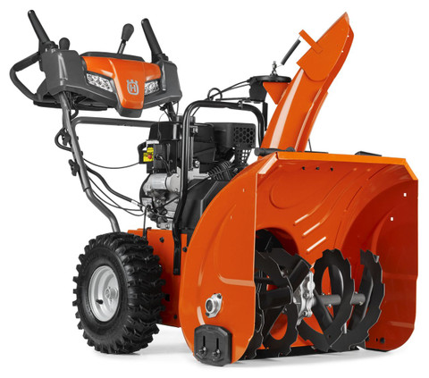 Husqvarna ST 224 has been developed for homeowners who need a high-performing snow thrower to clear snow from large garage driveways and paths. It works regardless of surface type thanks to the adjustable skid shoes. Husqvarna ST 224 has been designed for occasional use in all snow conditions, 10-30 cm. It has an efficient two-stage system with high throwing capacity. The handle has adjustable height for comfortable use. Friction-disc transmission ensures smooth operation. Features heated handle grips, LED headlights and electric starter for work in all weather conditions.