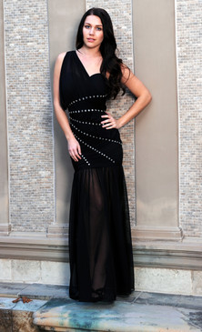 One shoulder diagonal beads goddess gown Neckline: One Shoulder  Details:  Beads lined up diagonally across bodice  Chiffon Skirt