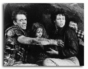 (SS170950) Cast   Aliens Movie Photo