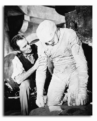 (SS2100046) Peter Cushing Movie Photo