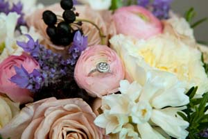 anie-benny-wedding-bouquet-w-ring.jpg
