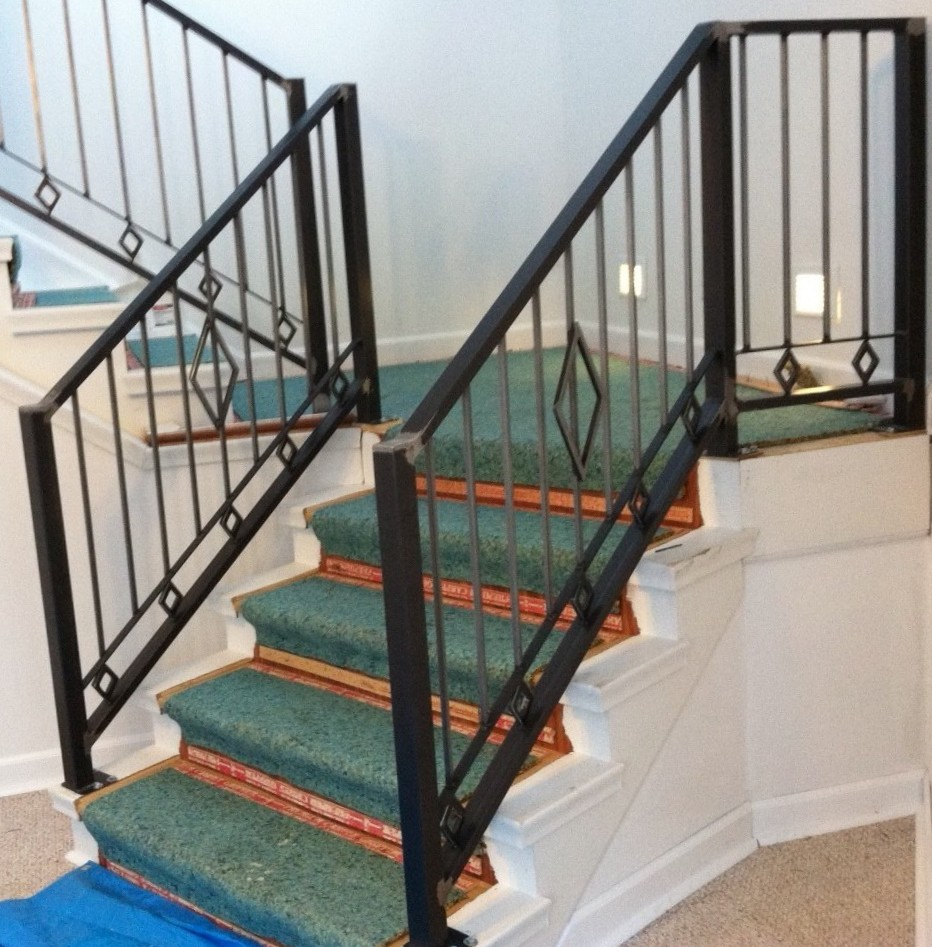 Industrial Metal Staircase Design: Custom Decorative Railing
