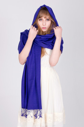 The superb look and feel of this blue-violet Pashmina will make you feel sensuous and stylish at the same time.