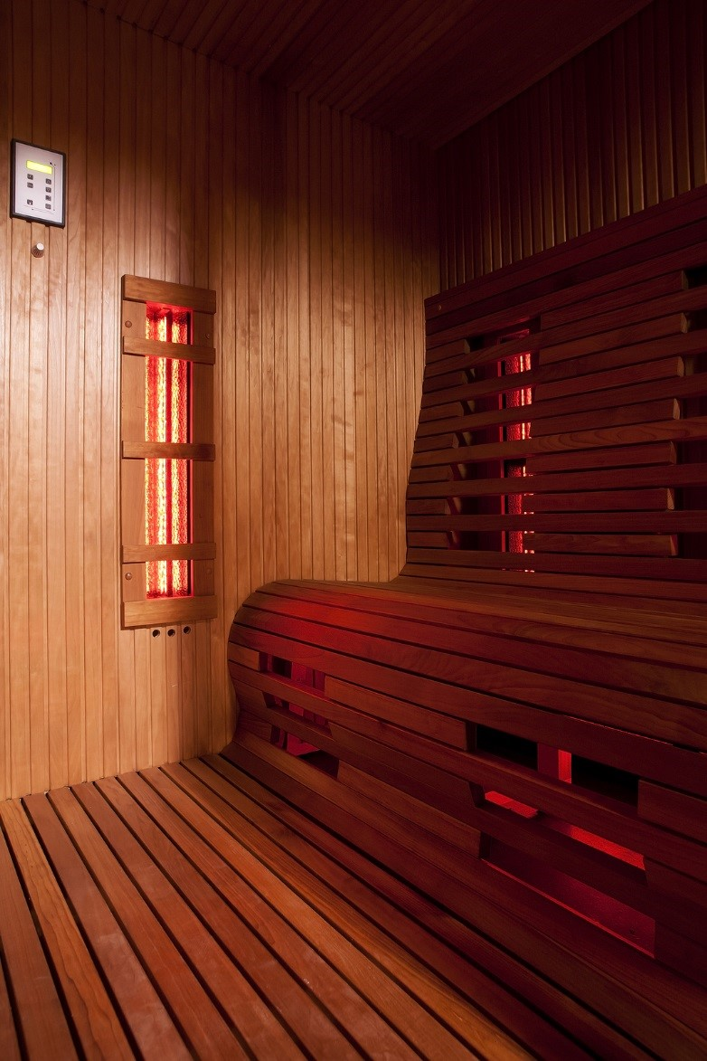 Infrared Sauna With Salt Wall In Nh Hotel Zandvoort The: Gwyneth Paltrow Recommends Infrared Saunas For Detoxing In