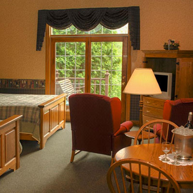 Oak Ridge Inn In Ohio Lodging In Ohio S Amish Country