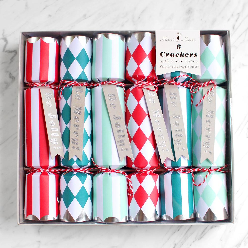 Meri Meri Be Jolly Crackers With Cookie Cutters Pack Of 6
