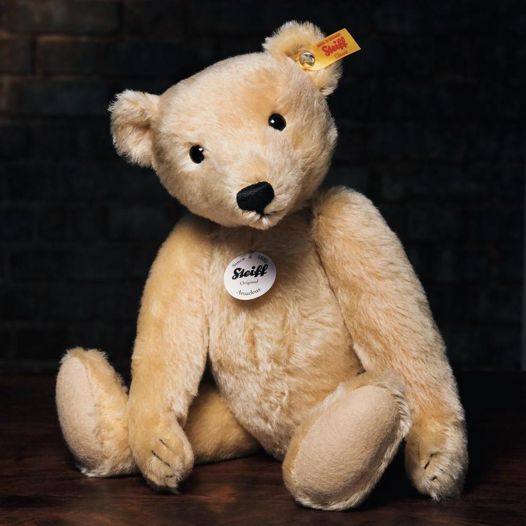 026713-classic-steiff-teddy-bears.jpg