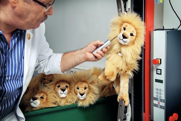 Steiff stuffed lions undergoing testing