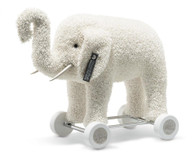 Margarete Steiff Elephant on Wheels EAN 421600
