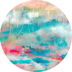ROUND WALL DECAL - 'The Sky Princess'