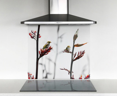 900x750mm DIY glass splashback Silvereye on Flax