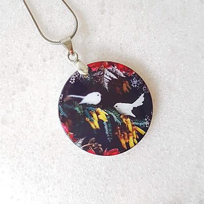 White fantail necklace 27x27mm pendant size