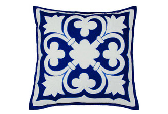 Sandor Applique Old World pillow - White and Light Blue on Delft Blue