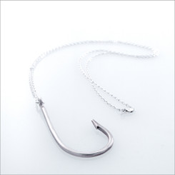 KIEL MEAD HOOK NECKLACE (GOLD OR SILVER)