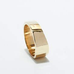 KIEL MEAD POUNDED BAND RING (GOLD OR SILVER)