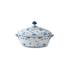 Royal Copenhagen Blue Fluted Half Lace Covered Tureen 10.5 in, 2.25 qt